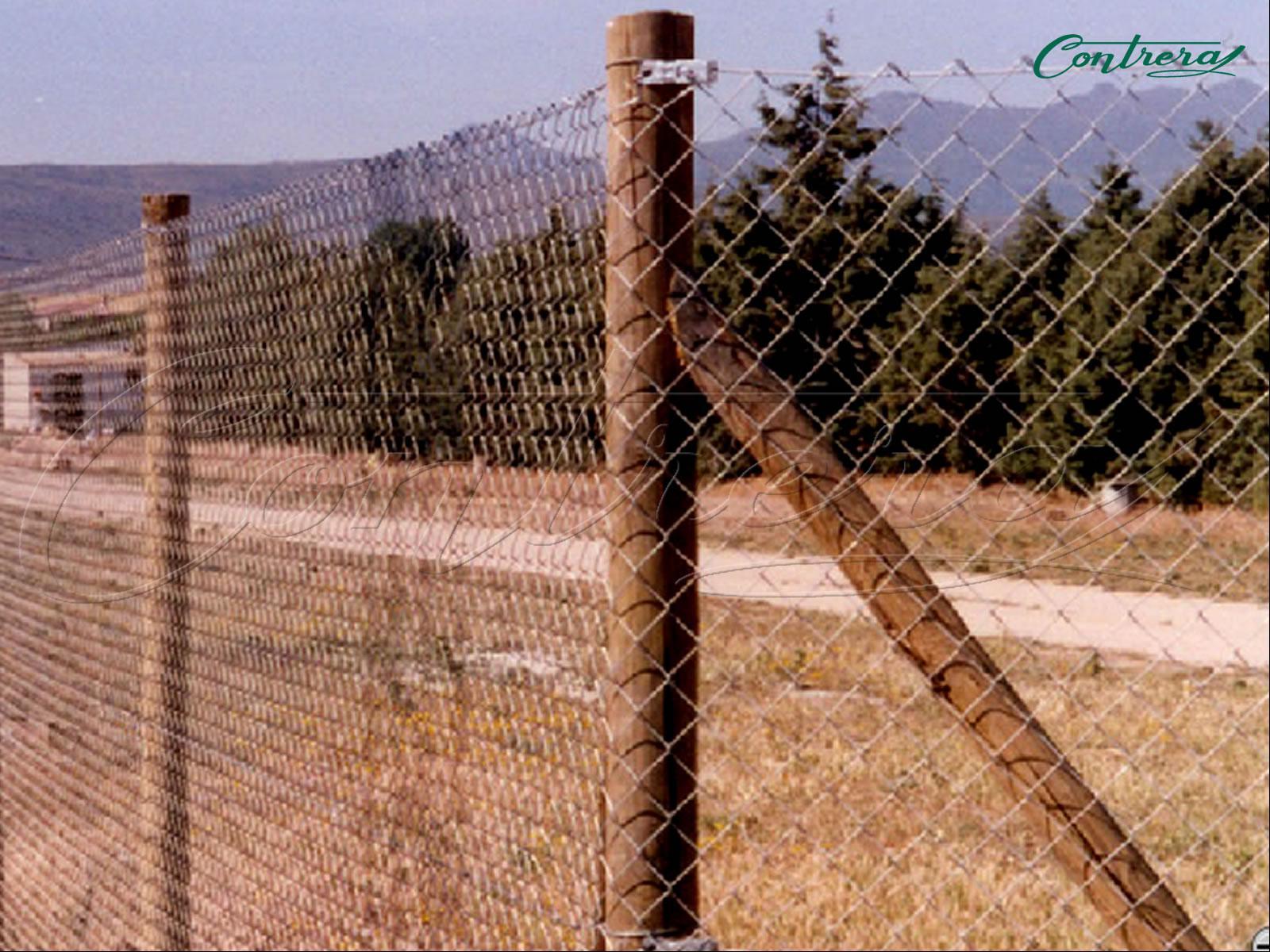 Postes de madera tratada - Cierres de madera ...